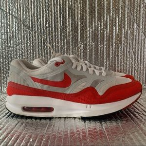 Nike Air Max Lunar 1 654469-101 Mens Size 10.5 White Challenge Red.